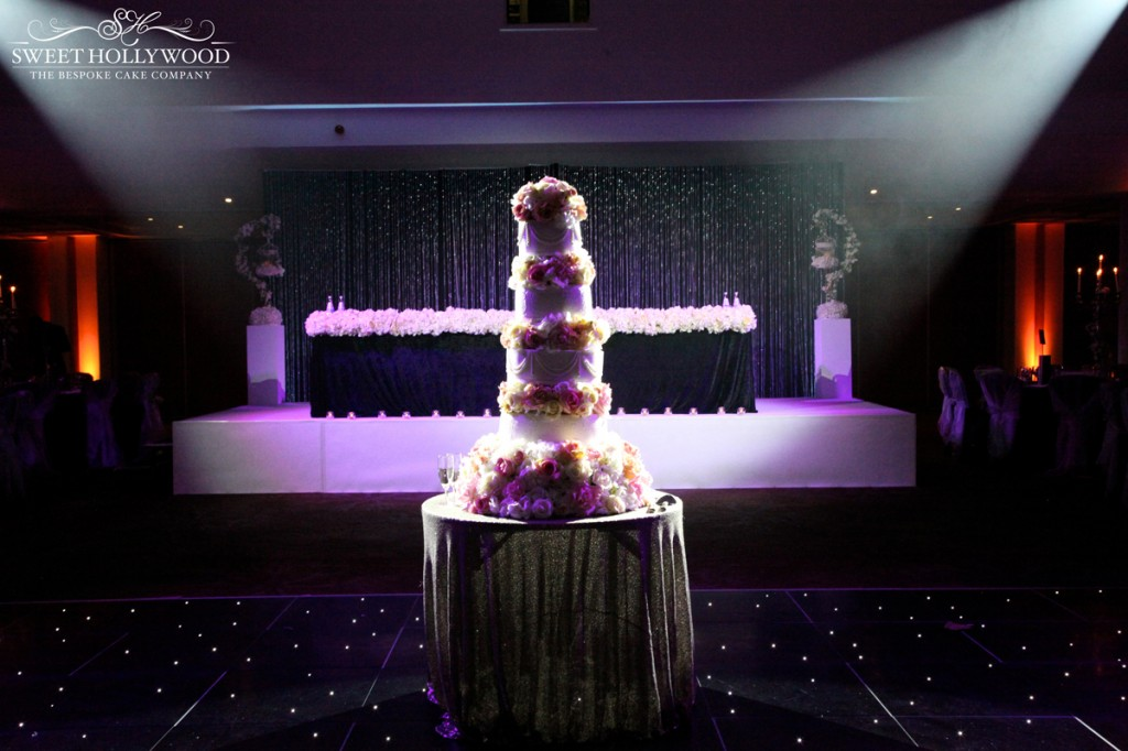 Glamorous Sikh Wedding Amp Stunning Asian Wedding Cake In London