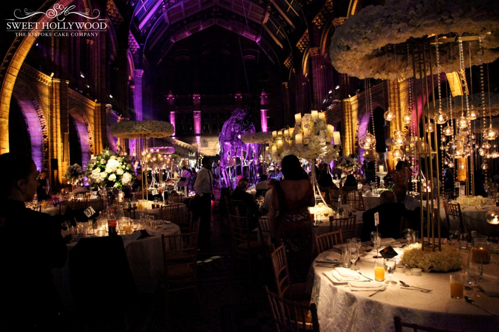 11.-natural-history-museum-wedding-indoor