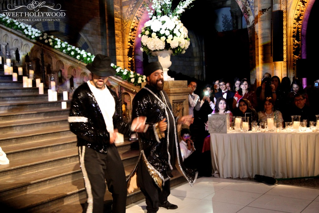 13.-natural-history-museum-wedding-signature-dance