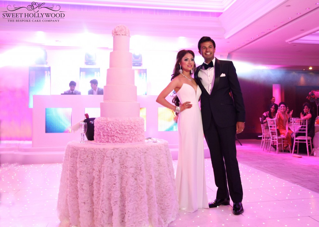 Pretty-In-Pink-luxury-Wedding-Cakes