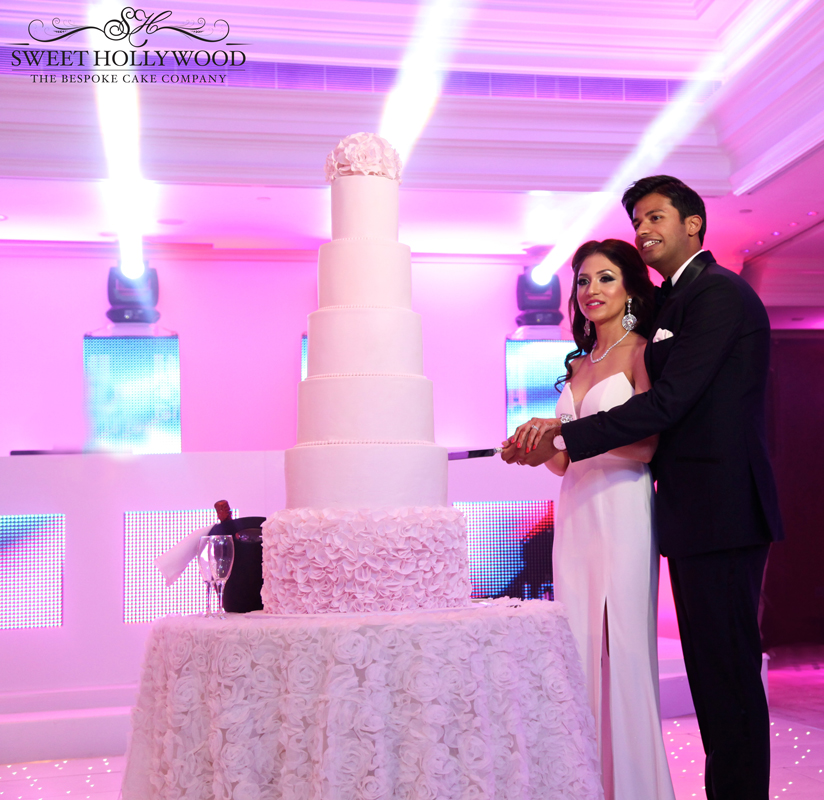 Luxury Eggless Wedding Cake