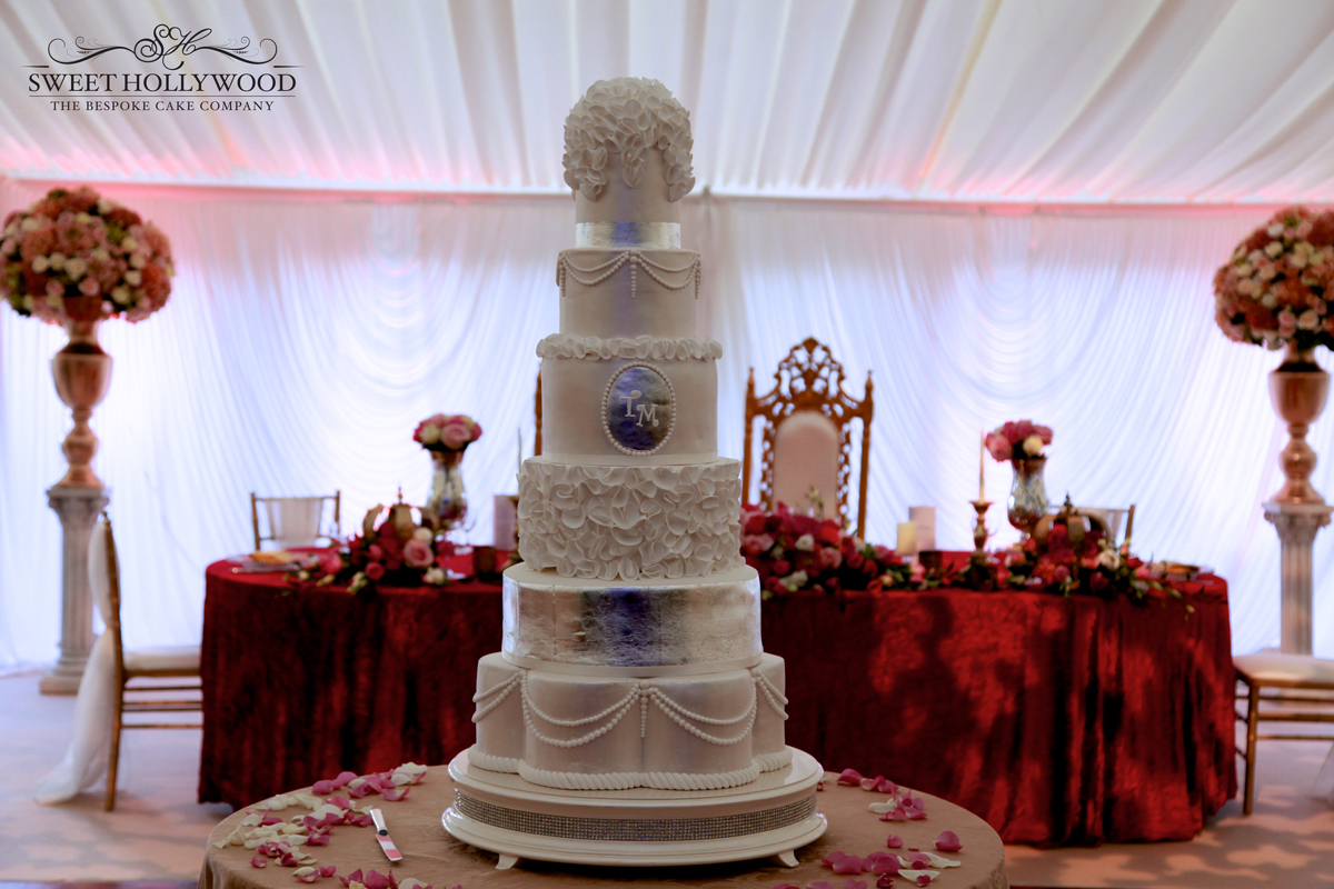 Luxury Wedding Cake Eastnor Castle Sweet Hollywood